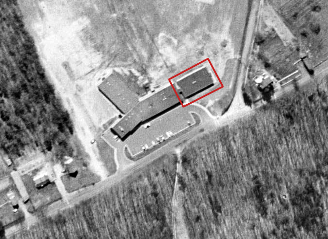Aerial photograph of Navy Elementary School taken in 1960.